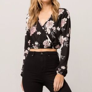 IVY & MAIN Floral Surplice Womens Crop Top ~ NEW ~